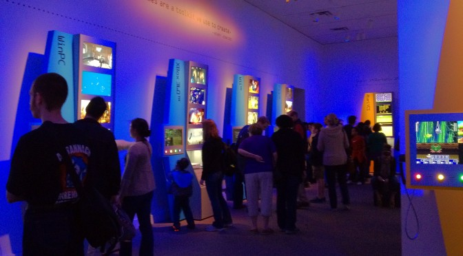 The_art_of_video_games_exhibition_crowd